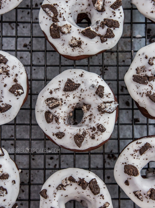 cookies and cream baked donuts