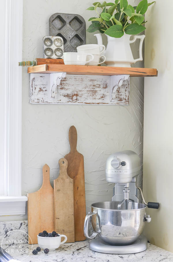 farmhouse-kitchen-shelf