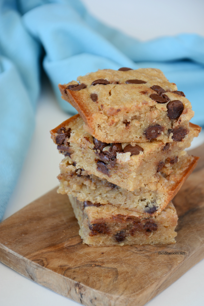 Banana-Chocolate-Chip-Blondies