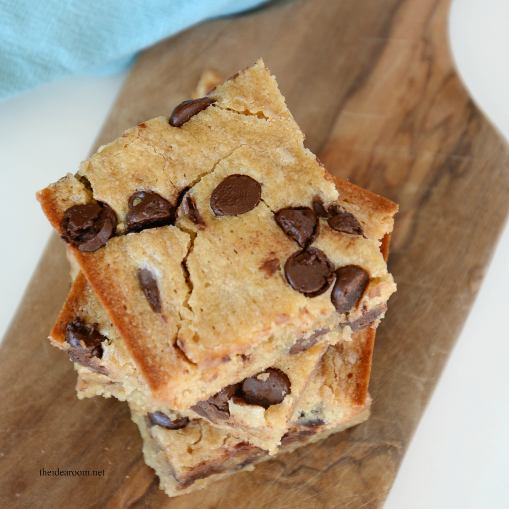 banana bars with chocolate chips