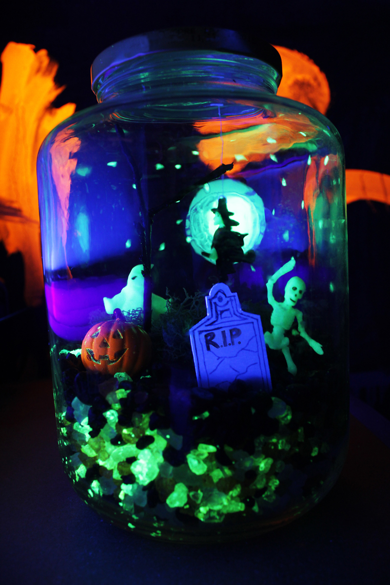 Halloween-Crafts-Terror-arium-BABBLE-DABBLE-DO-4