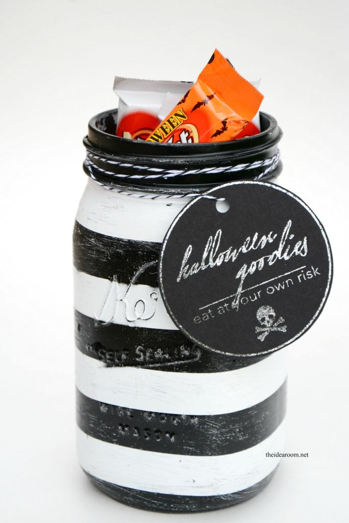 Halloween-Treat-Jars
