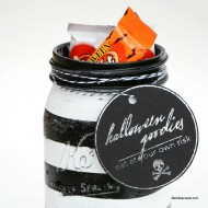 Halloween Treat Jar and Printable Tag