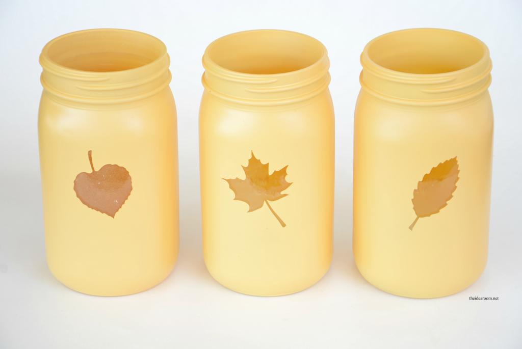Painted-Fall-Mason-Jars theidearoom.net