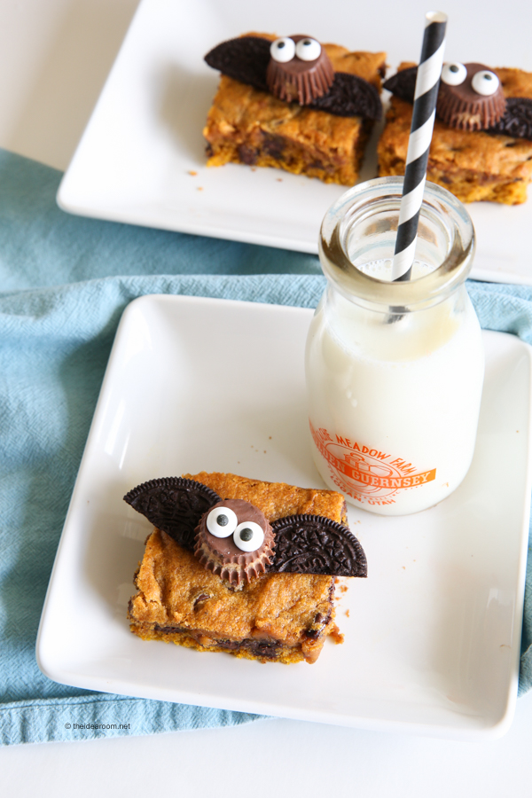 pumpkin-chocolate-chip-cookie-bars-theidearoom-net-6