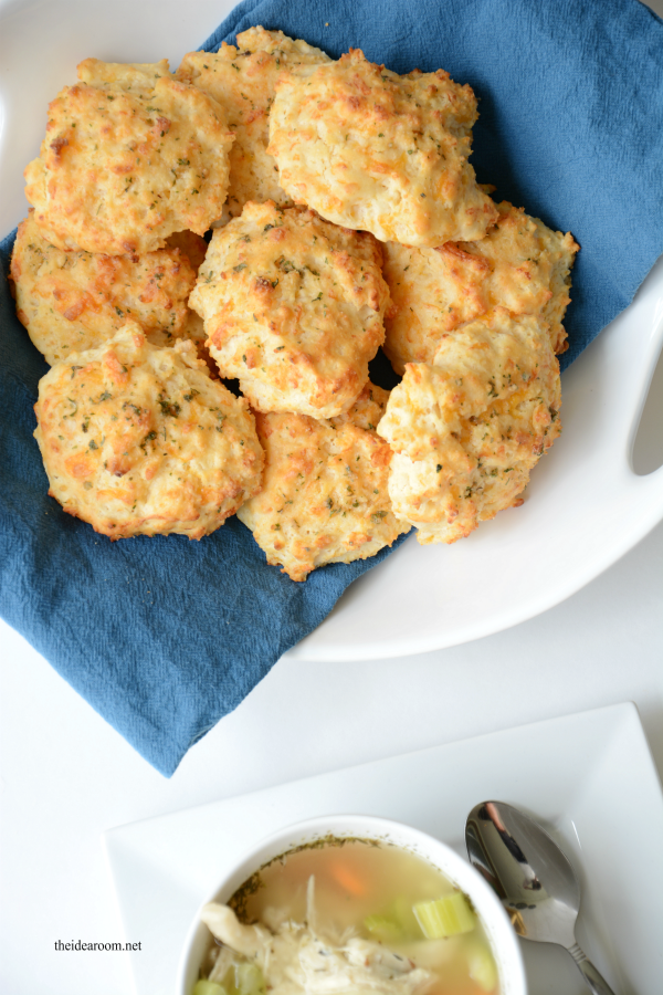 Red-Lobster-Biscuits-Recipe theidearoom.net