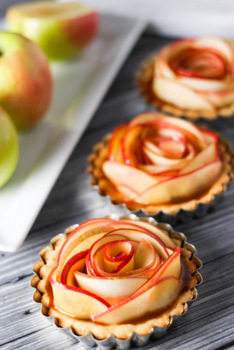 Salted-Caramet-Apple-Tartlets-9