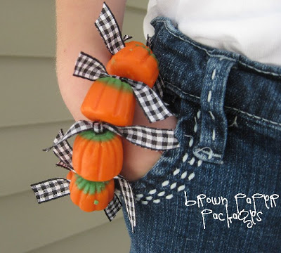 pumpkin bracelet 8--all gingham copy