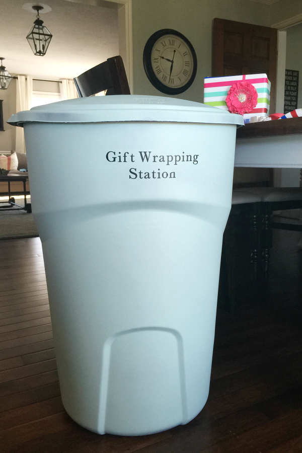 gift-wrap-station 2