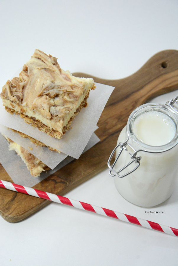 Recipes | Cinnamon Roll Cheesecake Bars