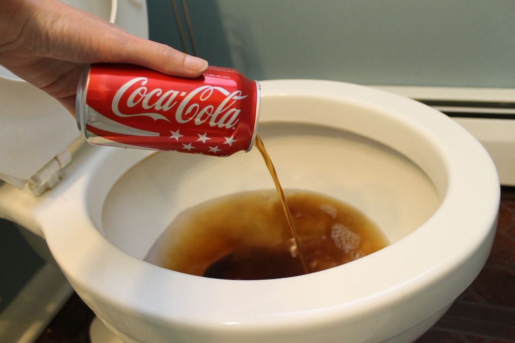 Clean-Your-Toilets-with-Coca-Cola