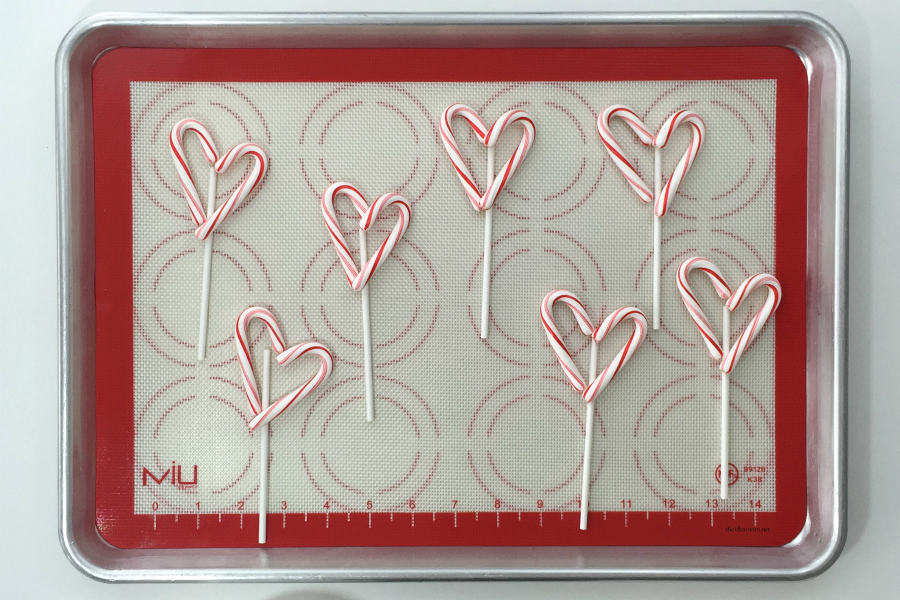 Candy Cane Heart Suckers 7