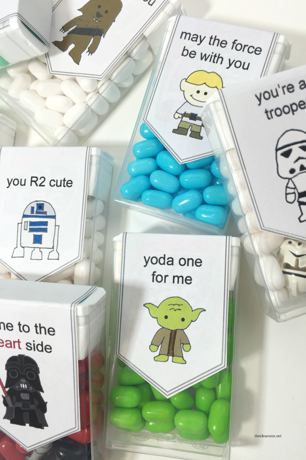 Valentine's Day | Free Printable Star Wars Valentine's for the kids classroom or your friends and family.  Perfect for your Star Wars fans.