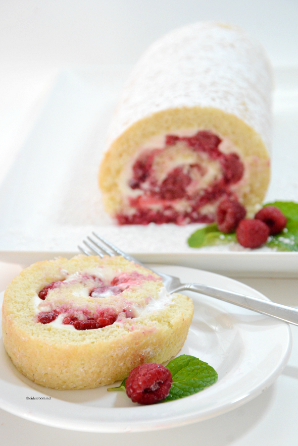 Recipes | This Vanilla Raspberry Cake Roll is the perfect Valentine's Day Dessert. Moist and delicious cake rolled with cream cheese and raspberries.