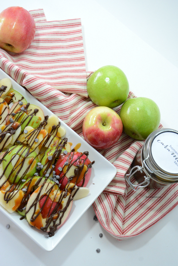 Valentine's Day | Apple Nachos are one of my favorite healthy snacks. So easy to make and totally customizable to your taste preferences. Make them now!
