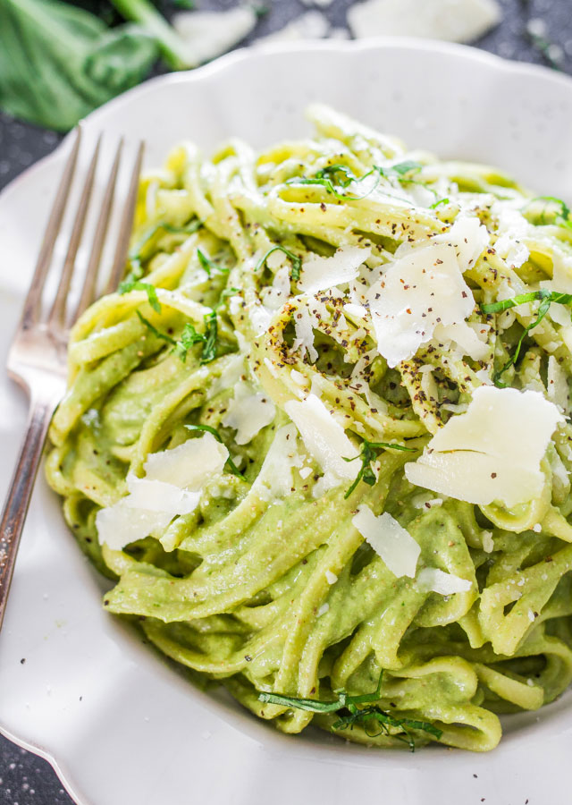 avocado-and-spinach-pasta