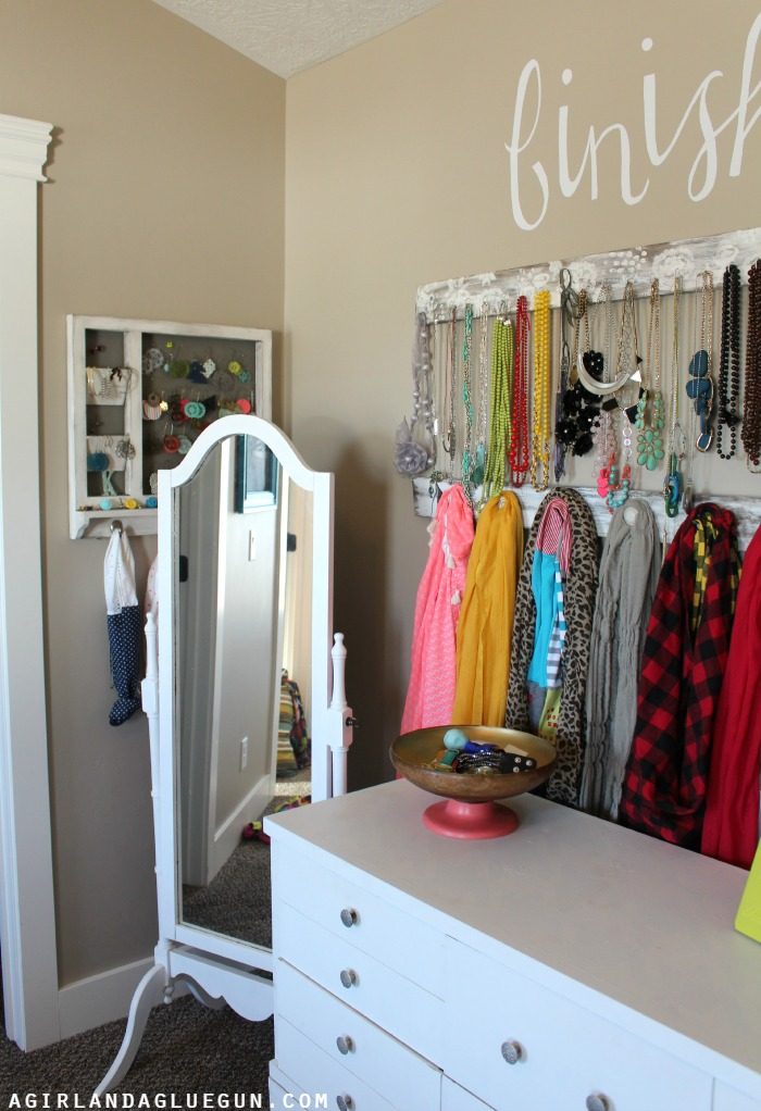 tips to declutter your closet from the idea room
