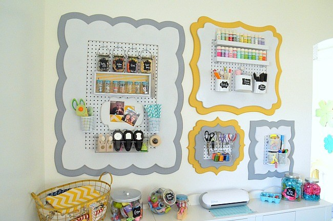 organizational-craft-office-wall-at-Tatertots-and-Jello