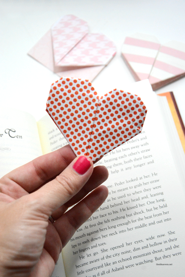 Heart Corner Bookmarks - Easy Peasy and Fun | 900x602