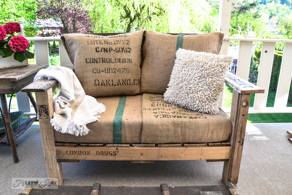 10-Pallet-wood-patio-chair-0641