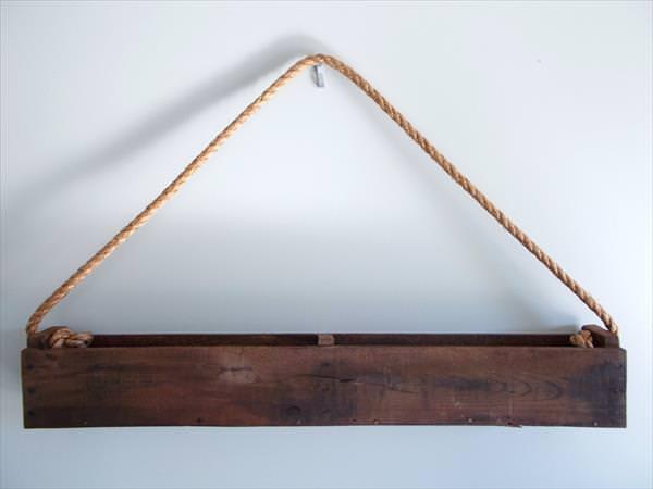 1001pallets.com-pallet-hanging-planter-3
