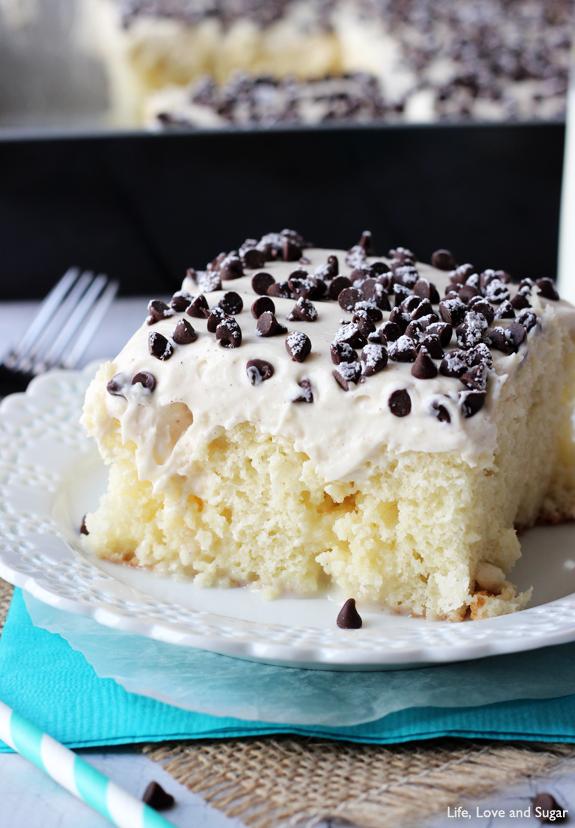 Cannoli_Poke_Cake3
