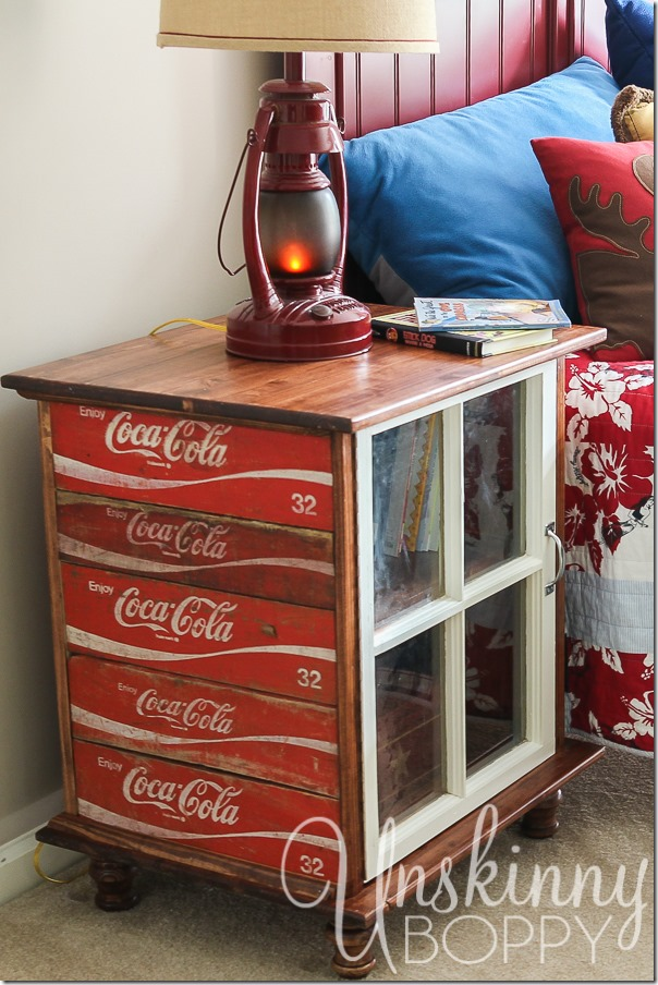 DIY-night-stands-made-from-old-Coca-Cola-crates-6_thumb