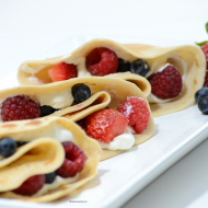 Berry Cream Cheese Crepes