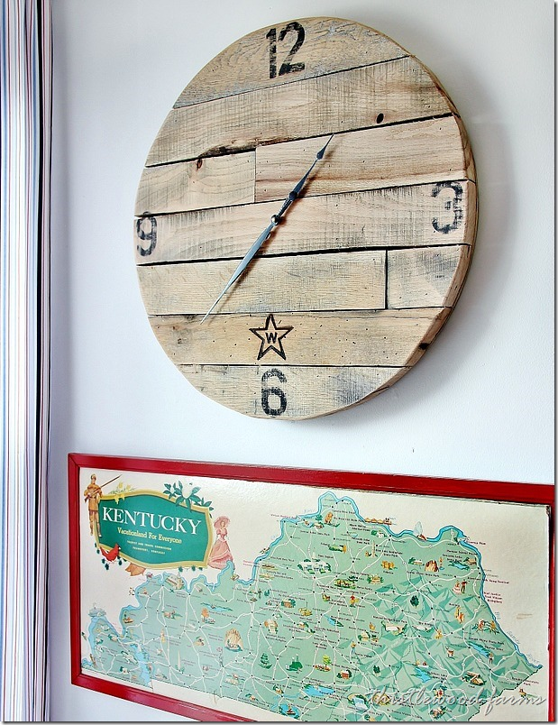how-to-make-a-pallet-wood-clock-project-how-to_thumb