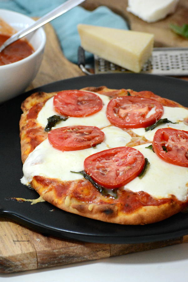 Pizza Recipes | This Margherita Pizza Recipe is delicious and makes an easy dinner for those busy weeknights. Print out our printable recipe and make it tonight!