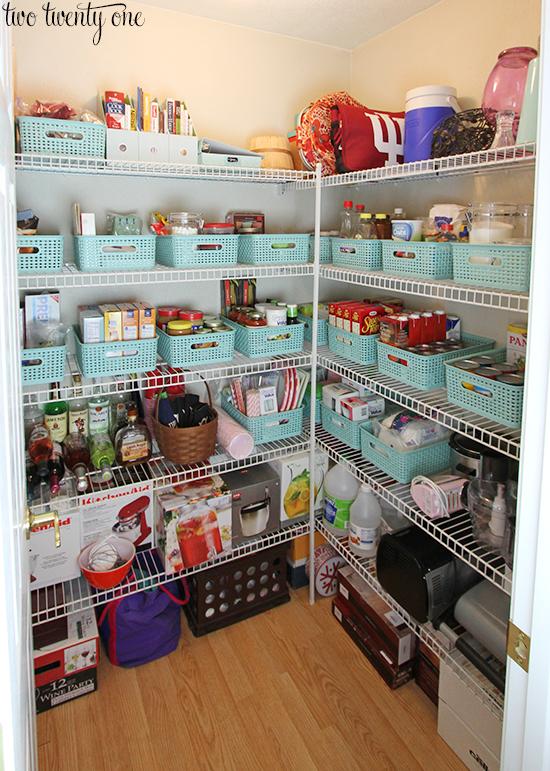 organized-pantry (1)