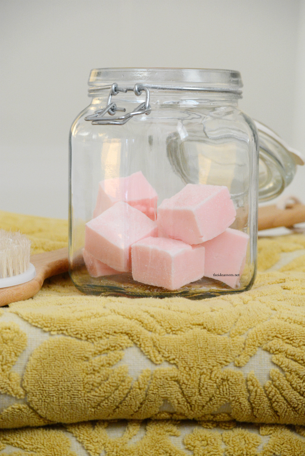 Recipes | Make this Sugar Scrub Cubes Recipe for smooth, soft exfoliated skin. Perfect for a DIY gift idea for friends and family.