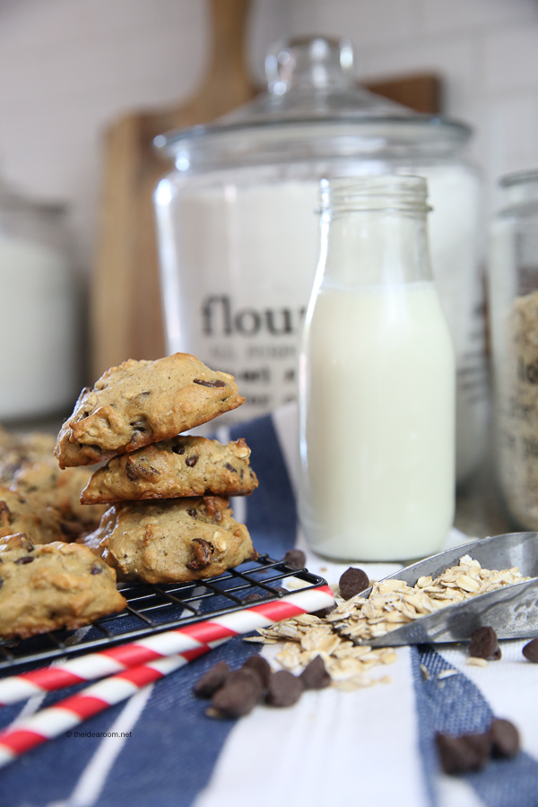 banana-oatmeal-chocolate-chip-cookies-recipe