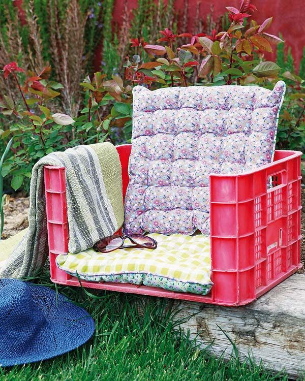 diy garden furniture fruit plastic crate cushion. DIY Outdoor Furniture Ideas   The Idea Room