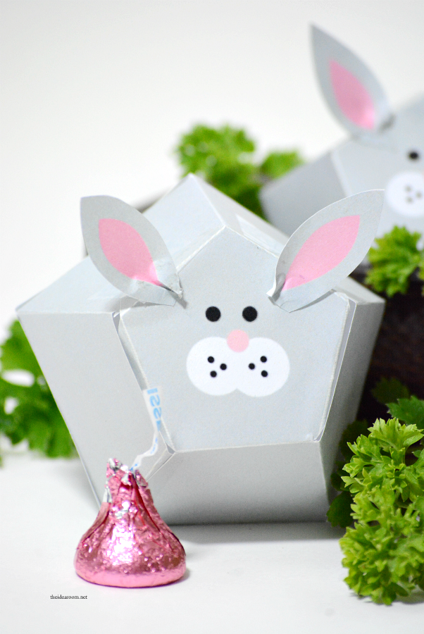 Easter Printable | Free Printable Easter Bunny Box Template.  Make your own Easter gift or Easter Decorations...aren't they adorable?