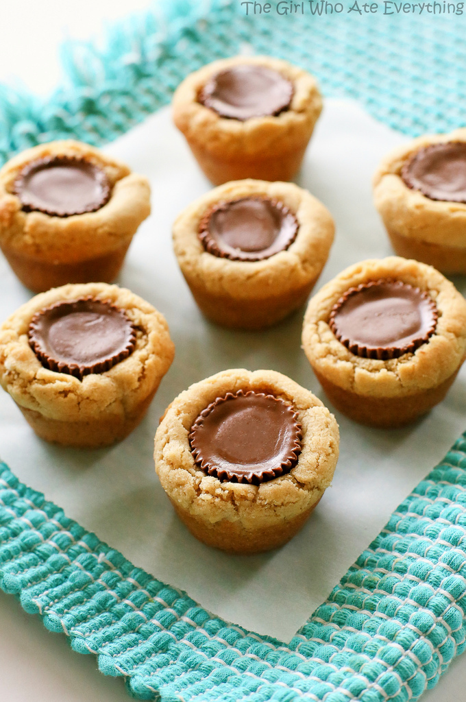 peanut-butter-cup-cookies-007