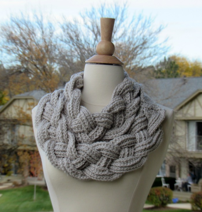 Braided Cowl - free crochet pattern