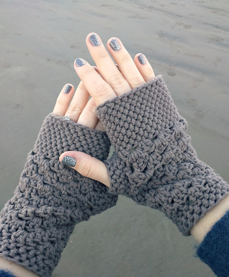 chunky_fingerless_gloves_free_crochet_pattern_5