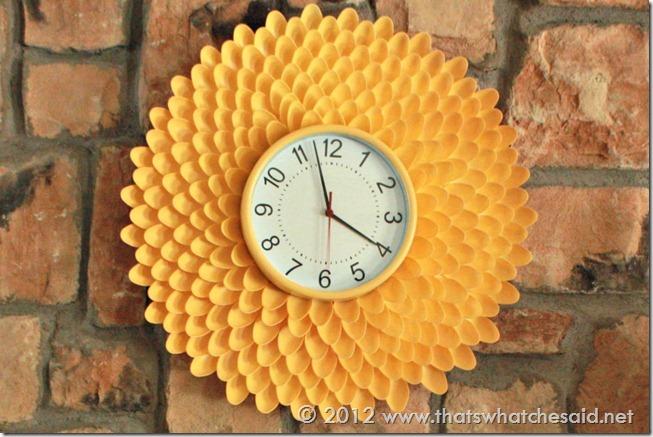 Plastic-Spoon-Flower-Clock_thumb