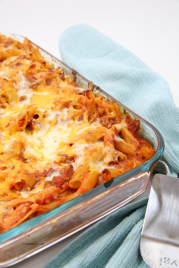 easy-Lasagna-Bake-theidearoom.net-1