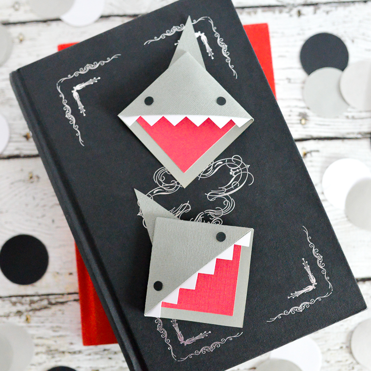 Shark-Bookmarks-2