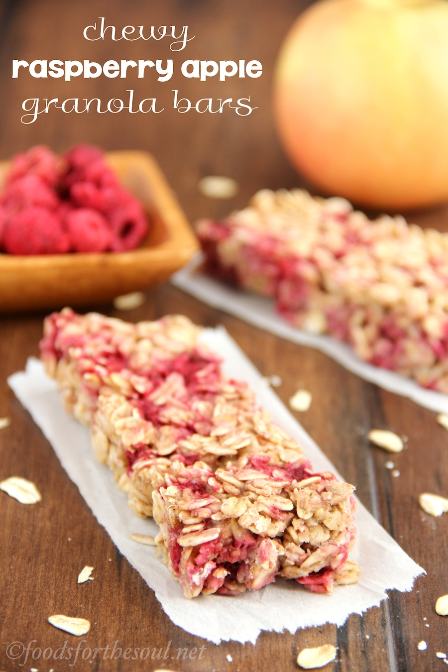 chewy-raspberry-apple-granola-bars_8650-labeled