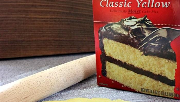 Cake-Mix-Pie-Crust.ZL_-700x400