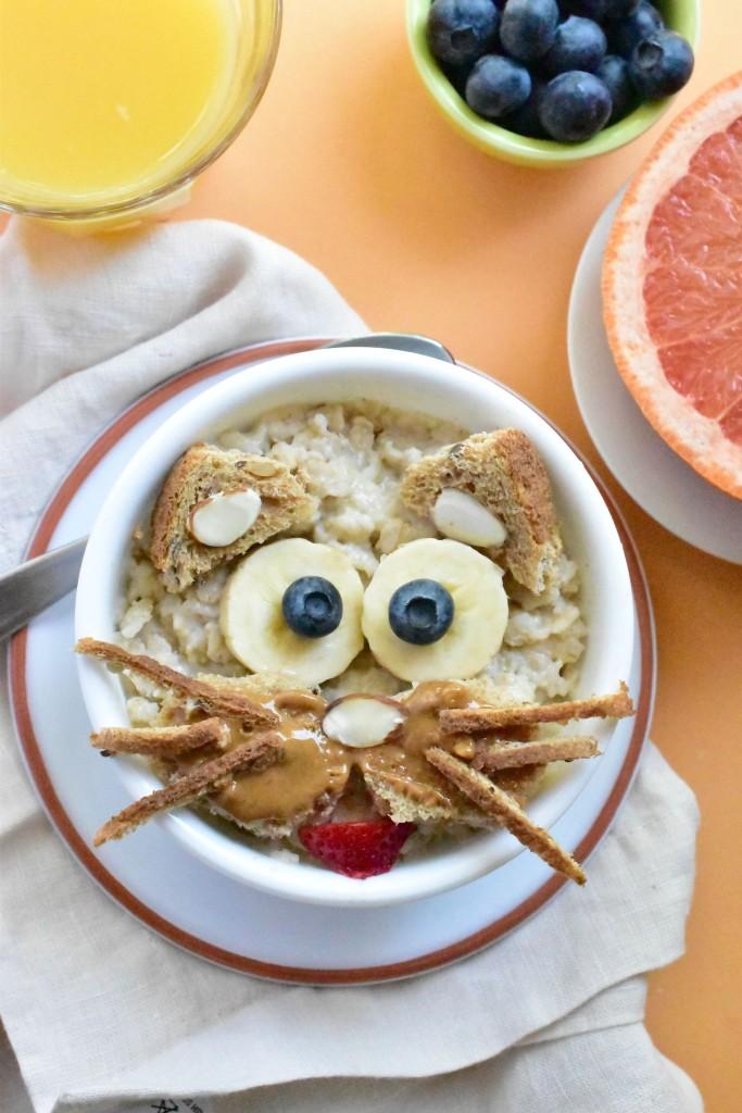 Kitty-Kat-Oatmeal-a-fun-kids-animal-shaped-breakfast-683x1024 (1)