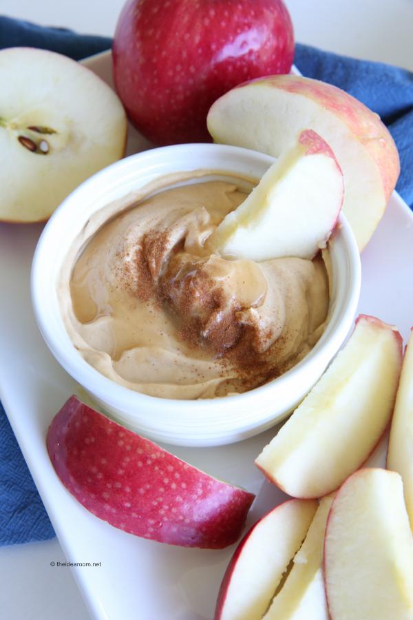 Peanut-butter-honey-yogurt-dip theidearoom.net-8