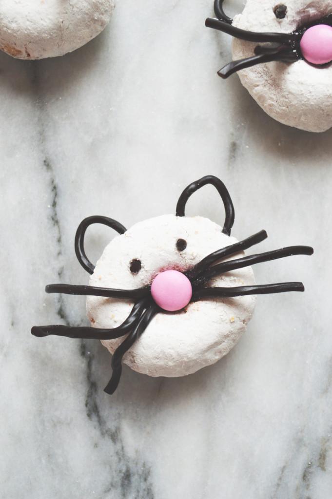 kitty-doughnuts-681x1024