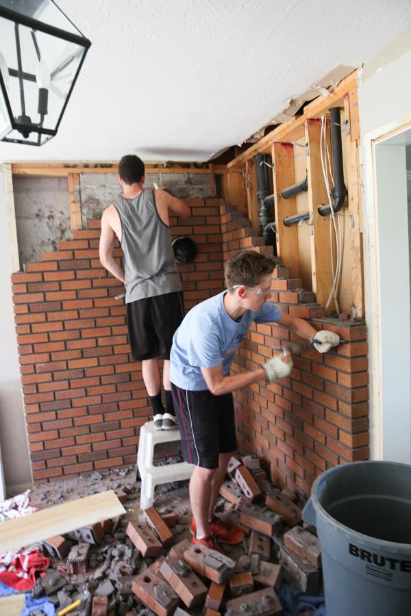 barn-door-before-theidearoom-net-3