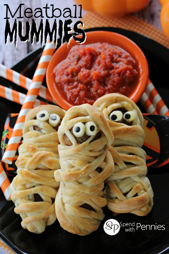 Meatball-Mummies...-these-deliciously-adorable-meatballs-are-perfect-for-Halloween-or-any-time-of-year