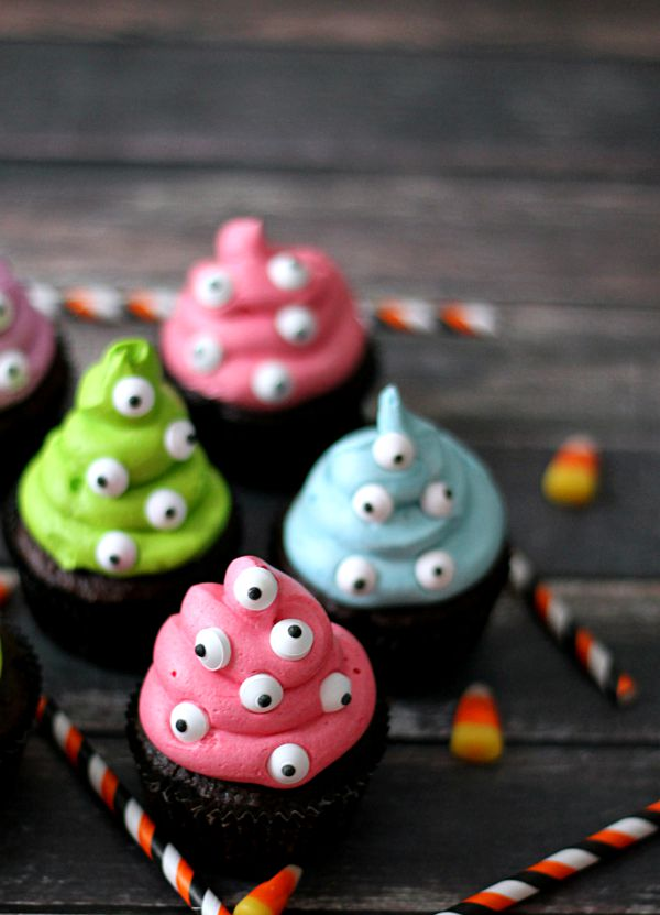 spooky-eye-monster-cupcakes