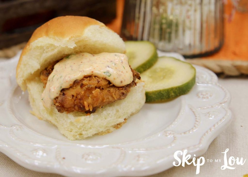 spicy-fried-chicken-sliders-with-spicy-mayo